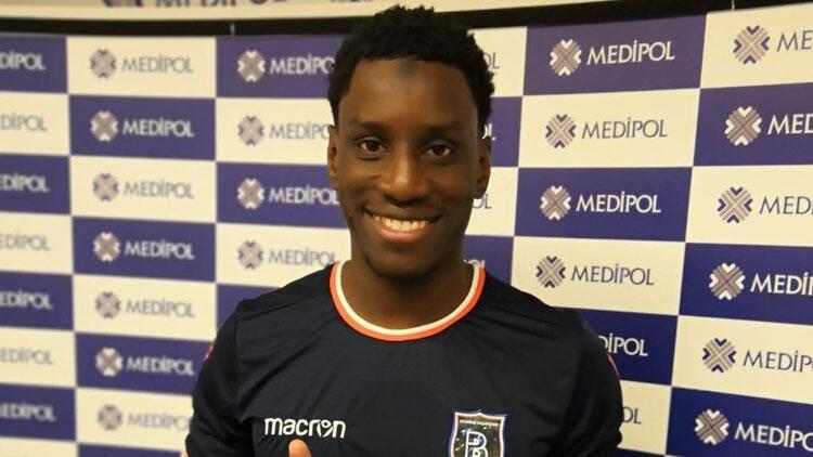 Demba Ba, 2.5 yıllık sözleşme imzaladı