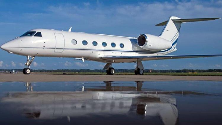 Demirören Holding'e ait uçak Antalya'da havada fırtınaya yakalandı