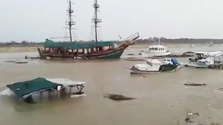 Aksu Çayı taştı, 5 tekne battı