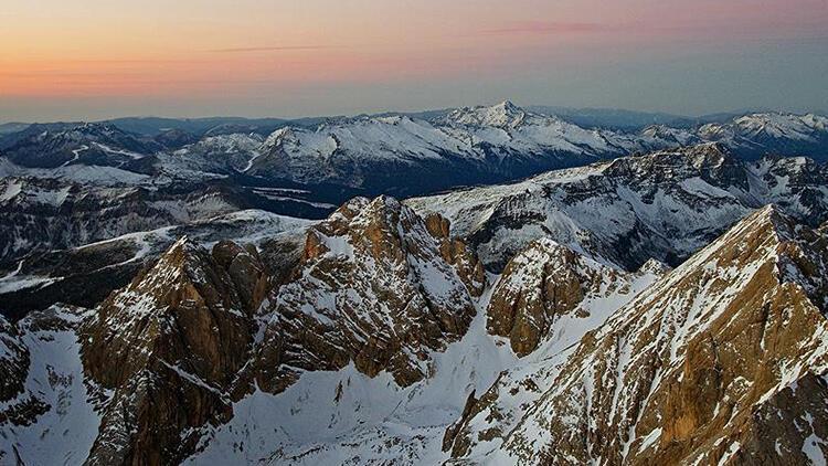 İtalyan Alpleri'ndeki uçak ve helikopter kazası: 7 ölü