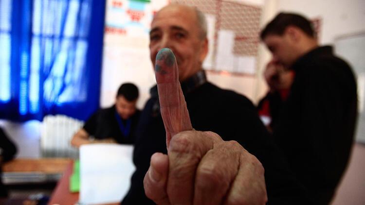 Cezayir'de Cumhurbaşkanlığı seçimleri için 101 kişi aday oldu