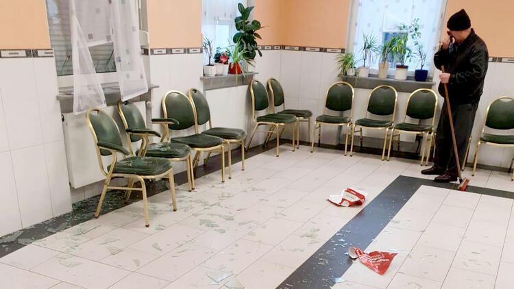 Almanya'nın Menden kentinde camiye saldırı