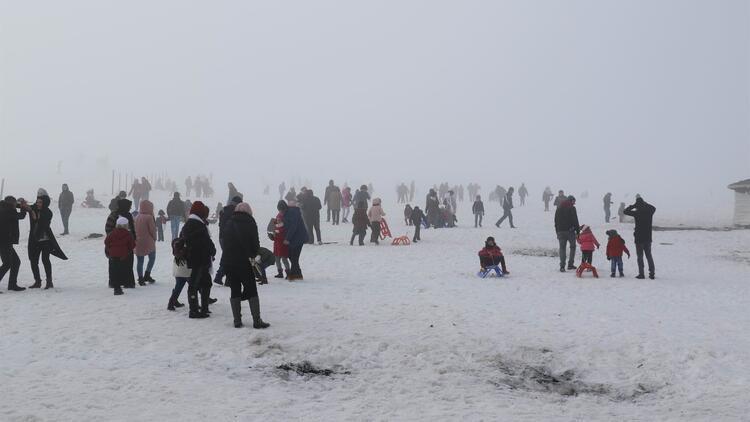 Güneydoğu'nun Uludağ'ı... Binlerce kişi akın etti