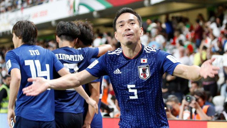 Nagatomo'lu Japonya, Asya Kupası'nda finalde