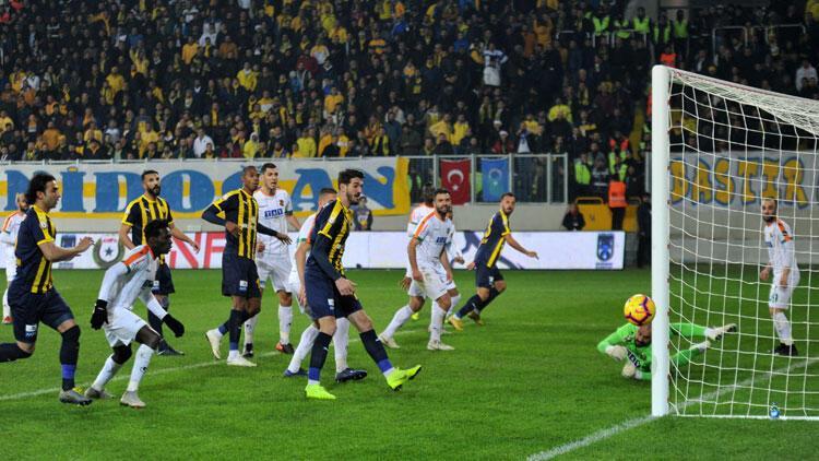 Alanyaspor, Ankara'dan 3 puanla döndü