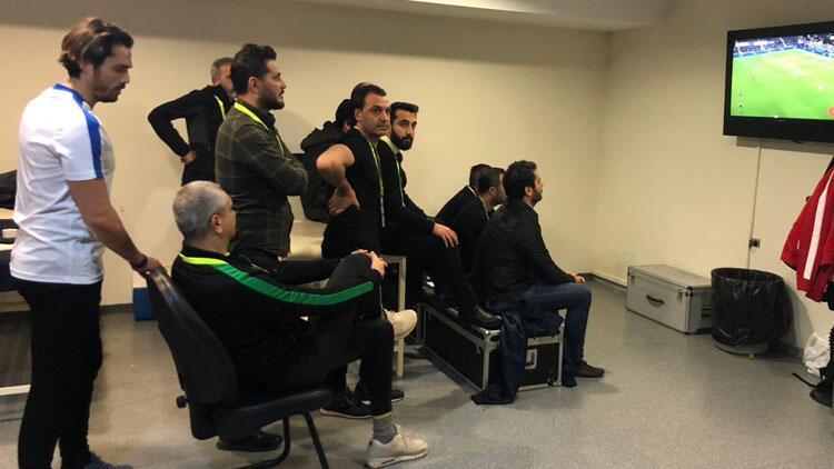 Fenerbahçe maçını soyunma odasında izlediler