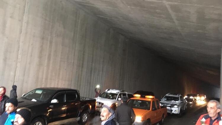 Çığ tüneli onlarca yolcunun hayatını kurtardı