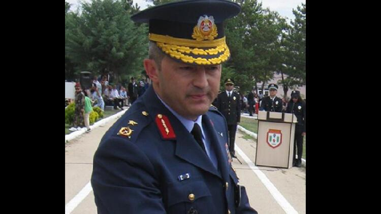 Savaş uçaklarının harekât sorumlusu Tuğgeneral Akgülay gözaltına alındı