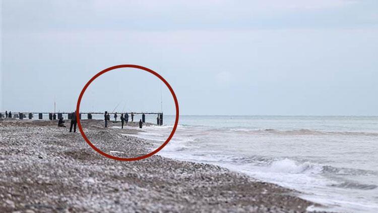 Görüntüler Antalya'dan... Fırtınadan sonra harekete geçtiler