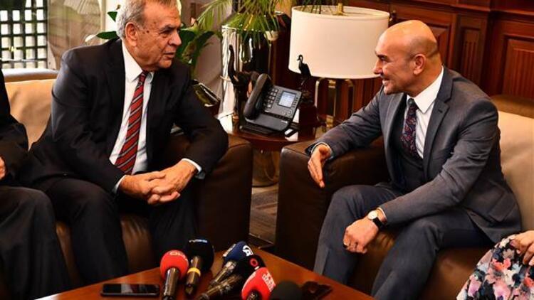 CHP İzmir adayı Tunç Soyer'den Aziz Kocaoğlu'na ziyaret