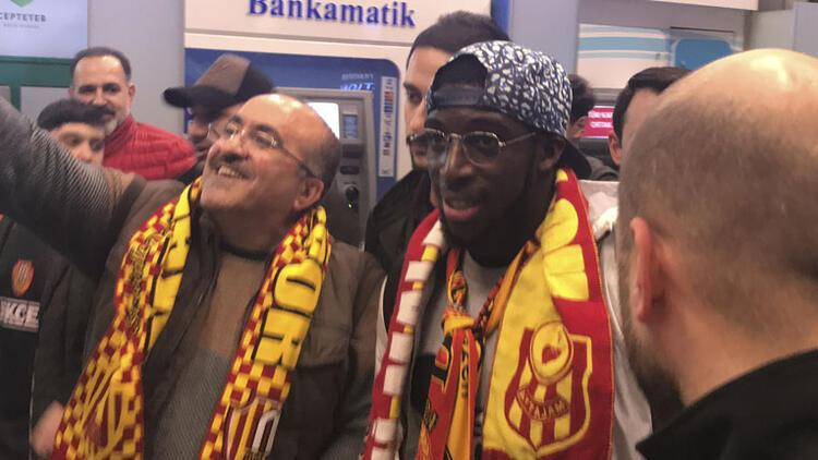 Aboubakar Kamara, imza için geldi!