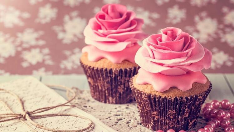 Romantik Gül Cupcake'ler