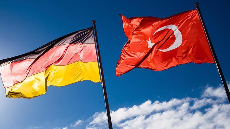 Son dakika... Almanya'da PKK yanlısı yayın kuruluşları kapatıldı