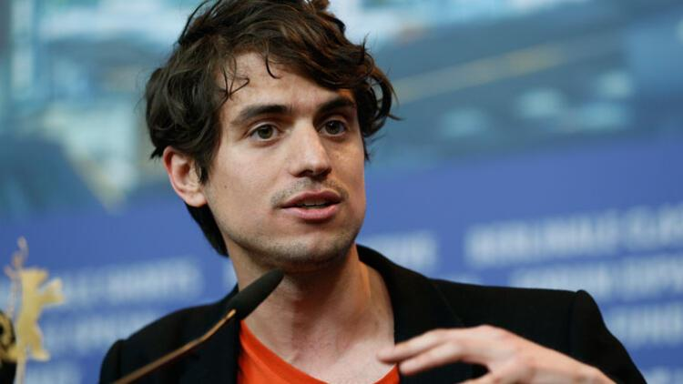 Küçük bir dini cemaatte yaşananlar, Türk yönetmene Berlinale'de 'en iyi' ödülünü kazandırdı