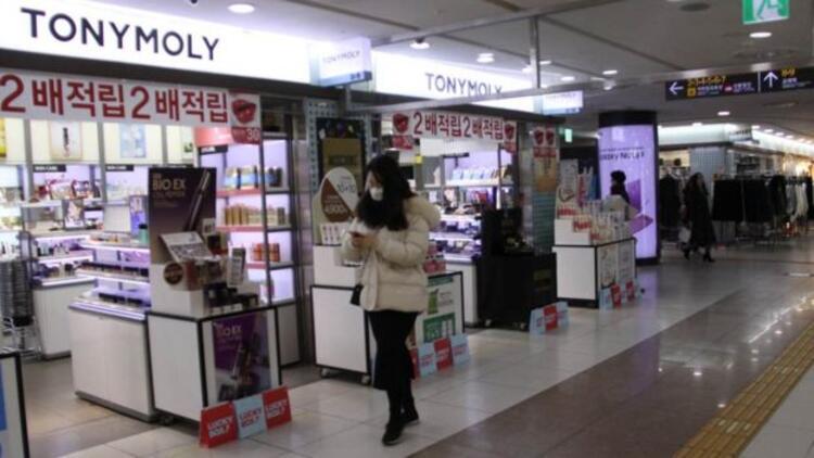 Güney Koreli kadınlardan makyaja hayır kampanyası
