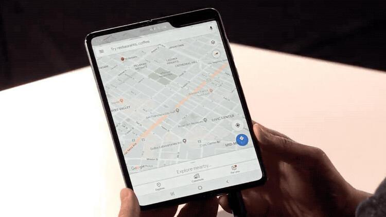 Galaxy Fold: Ekranı katlanabilen telefon gerçek oldu