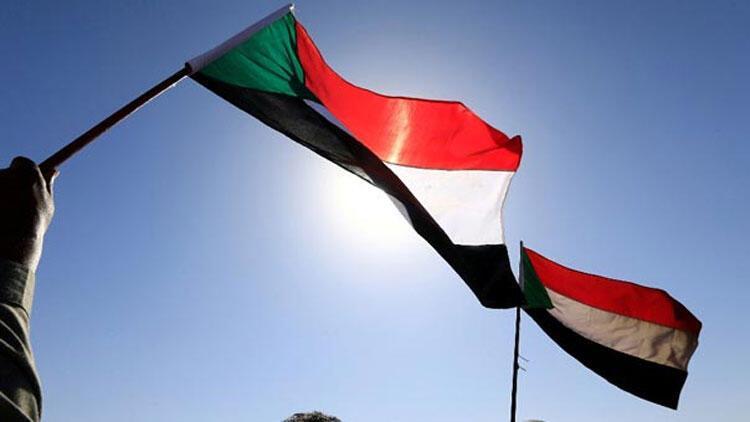 Son dakika... Sudan'da hükümet feshedildi... 1 yıl OHAL