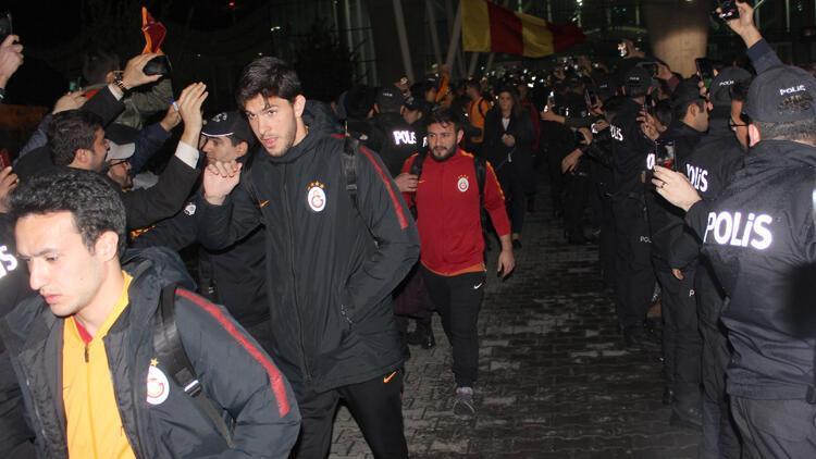 Galatasaray'a Hatay'da coşkulu karşılama