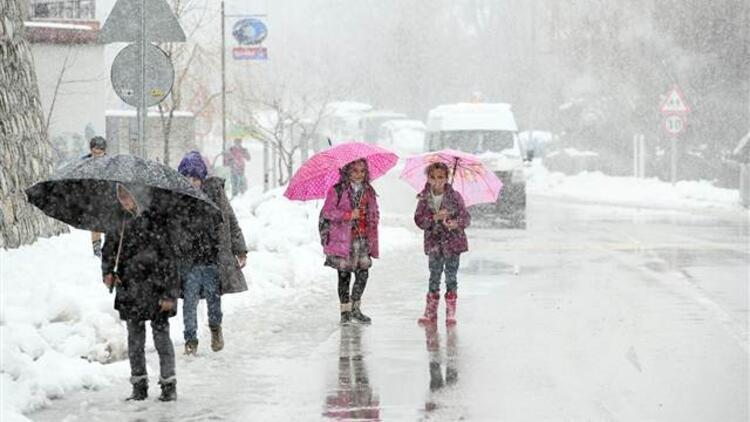 Van Çatak'ta okullar yarın tatil edildi