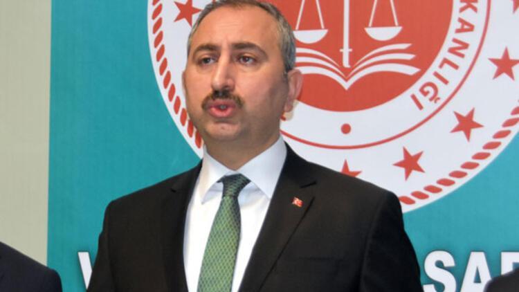 Bakan Gül'den 'halı saha tartışması' açıklaması: Gözaltı yok, inceleme başlatıldı
