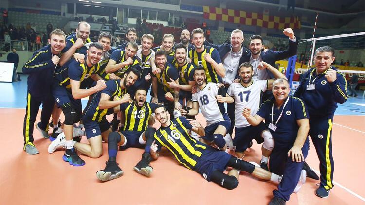 Fenerbahçe, 2-0'dan dönüp Galatasaray'ı devirdi