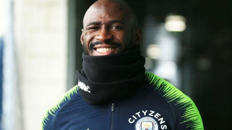 Manchester City'de sürpriz imza! Mangala...