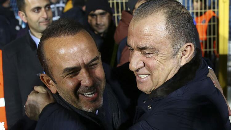Son dakika! Erzurumspor'da Mehmet Özdilek ile yollar ayrıldı