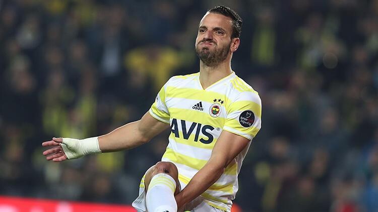 Fenerbahçe'den Roberto Soldado'ya yeni sözleşme