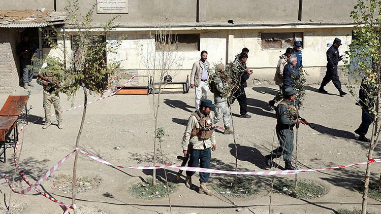 Son dakika... Afganistan'da canlı bomba saldırısı