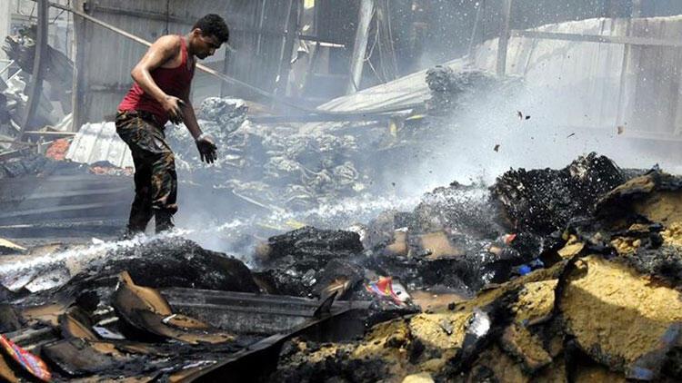 'ABD'nin bombaları insani yardımınından önce Yemen'e ulaşıyor'