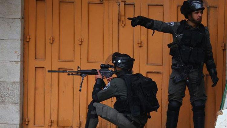 İsrail askerleri Gazze'de 4 Filistinli'yi yaraladı