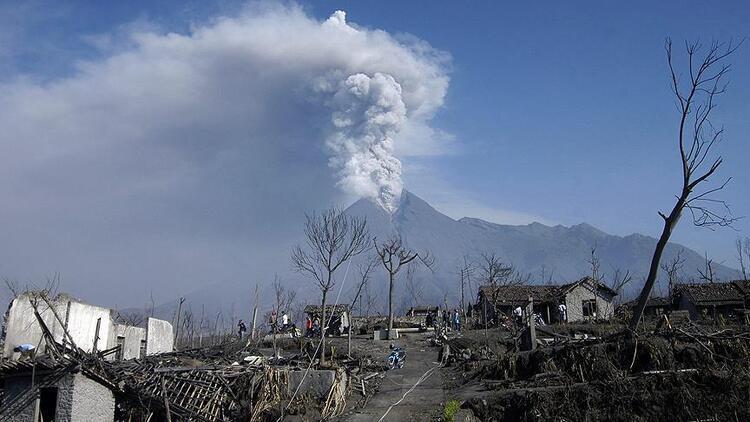 Endonezya'daki Merapi yanardağında hareketlilik