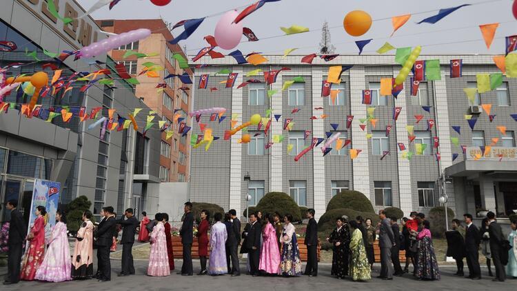Kuzey Kore'de halk sandık başında