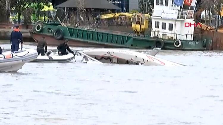 Son dakika! Haliç'te yelkenli tekne battı