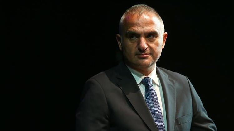 Bakan Ersoy: Turizm sezonu Antalya'da erken başlıyor