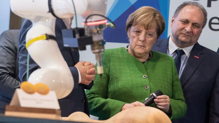 Ekonomi dünyasından Merkel'e: Böyle ülke yönetilmez