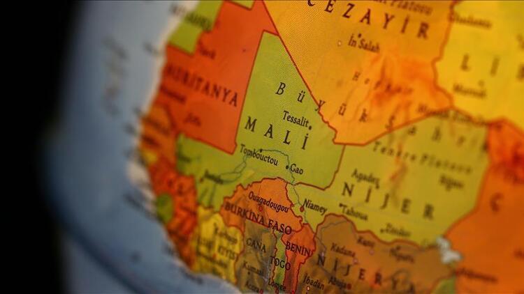Son dakika... Mali'de askeri üs basıldı: Çok sayıda ölü var