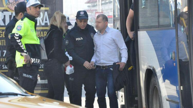 Ankara'da belediye otobüsünde şoke eden olay! Genç kız çığlık atınca....