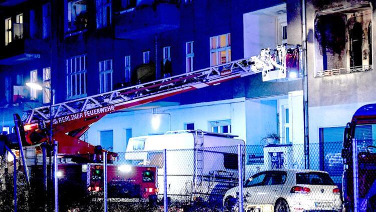 20 yaşındaki kahraman Türk üç kişiyi yangından kurtardı