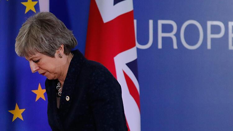 Son dakika... Başbakan May'den Brexit anlaşmasına karşılık istifa teklifi