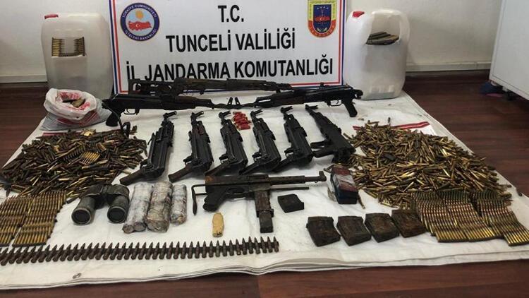 Tunceli'de teröristlerin silah deposu imha edildi