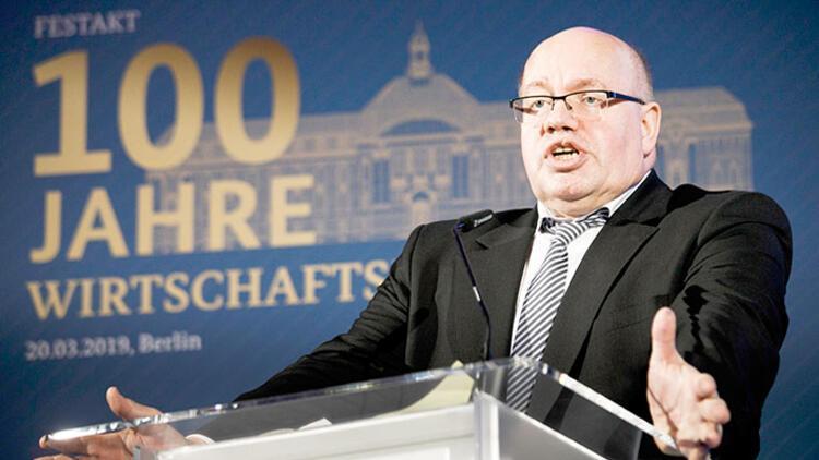 Ekonomi Bakanı'na şok: 'O koltuğa uygun değil' diyerek davet edilmedi!