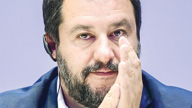 Türkiye'nin AB üyelik süreci tamamen durmalı