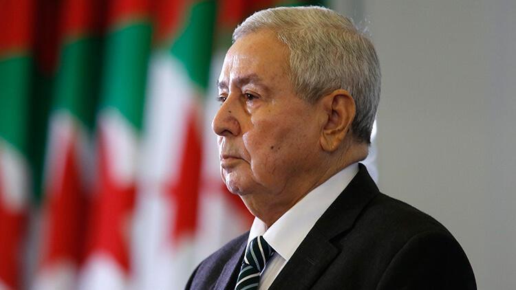 Cezayir'de geçici cumhurbaşkanından 90 gün içinde seçim sözü
