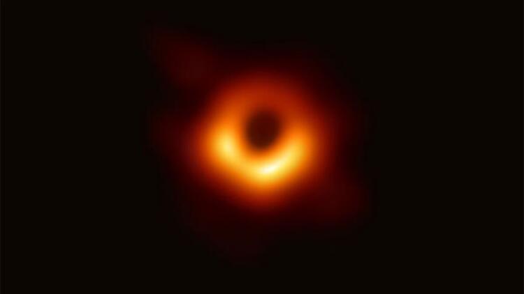 Bilim insanları  ilk kez kara deliği böyle görüntüledi