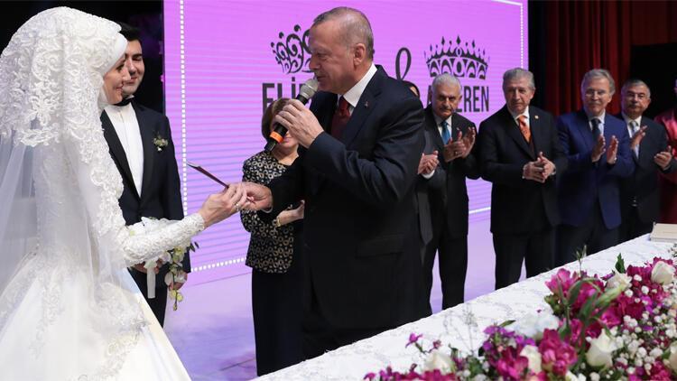 Cumhurbaşkanı Erdoğan Bekir Bozdağın oğlunun nikah şahidi oldu