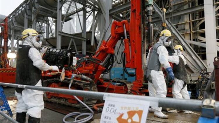 Fukuşima'da hasarlı reaktörlerdeki çalışma tüm hızıyla sürüyor