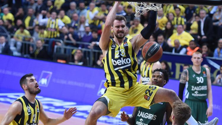 Fenerbahçe Beko, Zalgiris Kaunas'ı farklı mağlup ederek seride 1-0 öne geçti