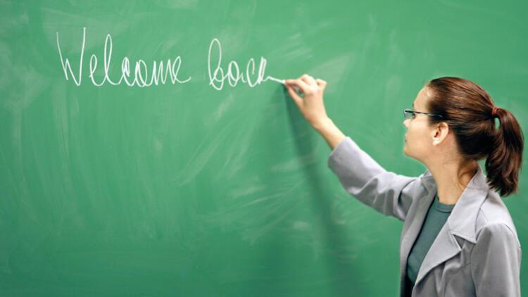 Dili değil kuralları öğretiyoruz