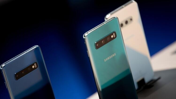 Samsung Galaxy S10 Plus için sürpriz güncelleme yayında!